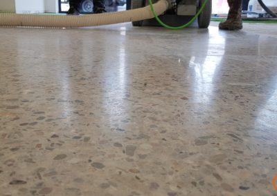 resultaat tijdens polijsten naar een stofvrije en duurzame betonvloer