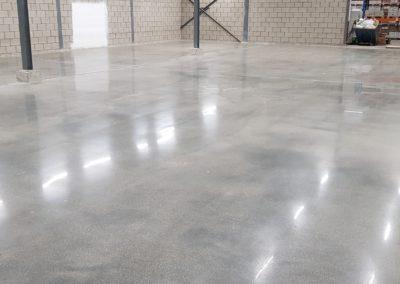 een mooi afgewerkte betonnenvloer met de afwerking XJ Hiper Commercial