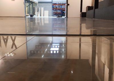 weerspiegeling vloer door XJ Hiper Commercial