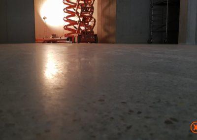 Verregende betonvloer diamant schuren in Venlo